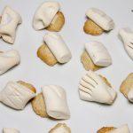 Le ossa dei morti, dolci tipici siciliani (biscotti di pasta garofanata)