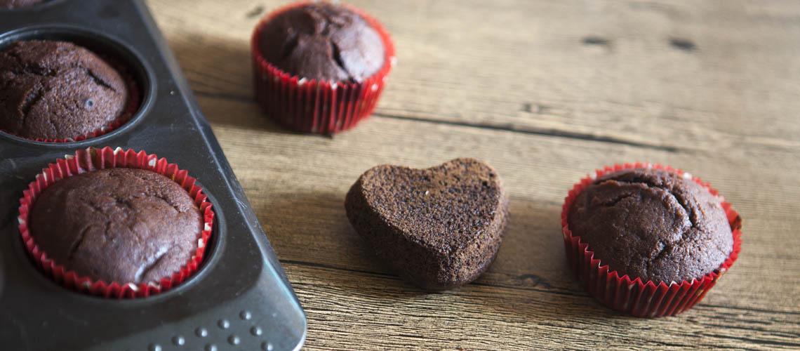 muffin-senza-lattosio-al-cacao-cuore-ai-frutti-rossi