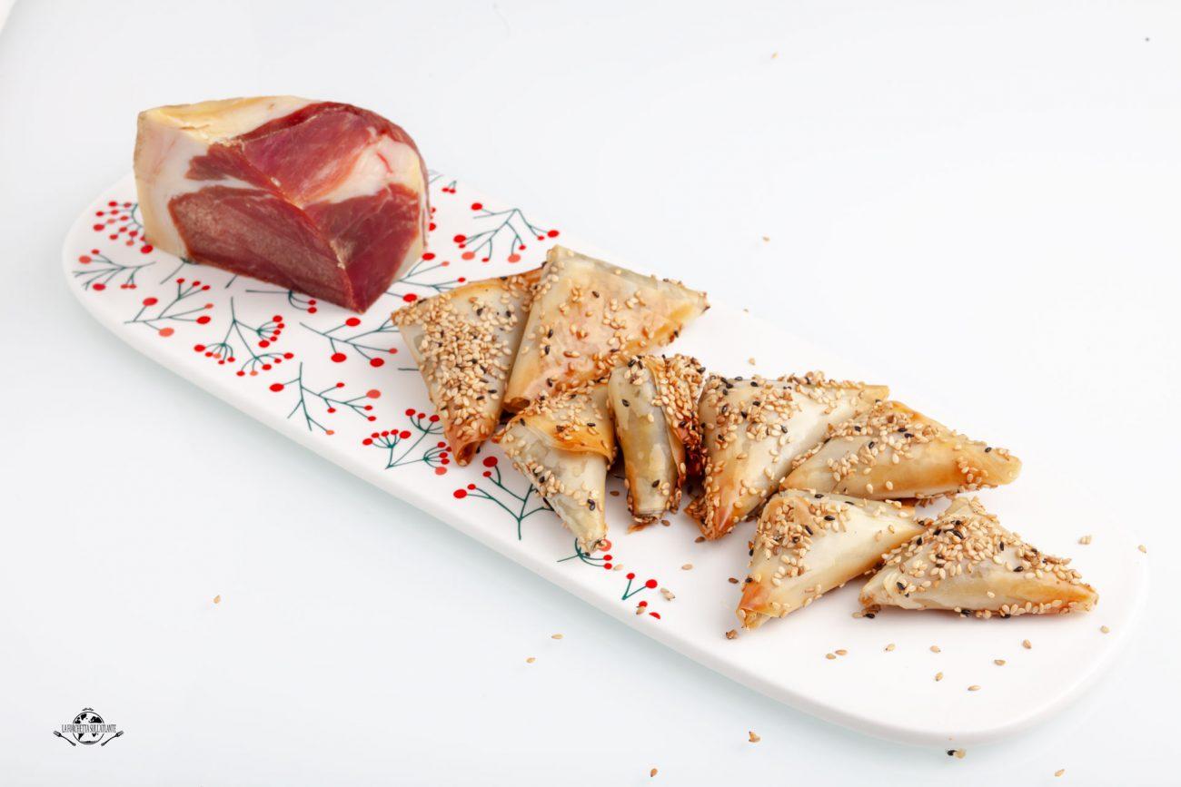 Triangoli di pasta fillo con friarielli e Prosciutto di Modena DOP
